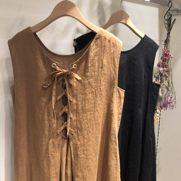 trois バックレースアップワンピ