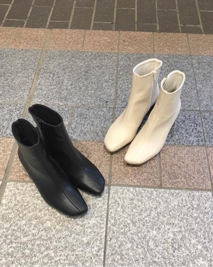 オシャレ見え◎丸ヒールスクエアショートブーツ